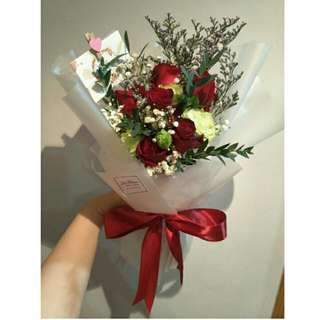 9 Red Roses With Eustomas Bouquet