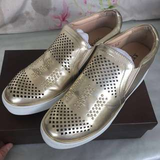 EVERBEST Graycie Gold wedge slip-on