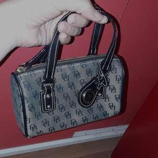 Authemtic Dooney & brouke hand bag mini