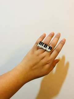 Keyboard brass ring