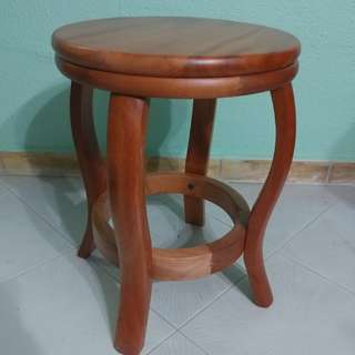 Wooden stool for sale (4pc)
