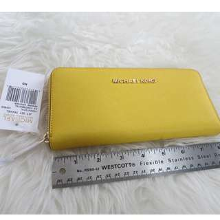 BRAND NEW Michael Kors Saffiano Leather Wallet