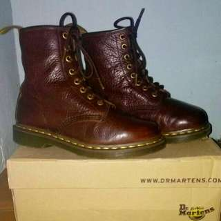 Dr. Martens Grizzly Brown