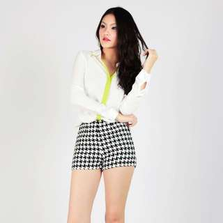 Thevelvetdolls Furry Woven Shorts in Houndstooth (S)