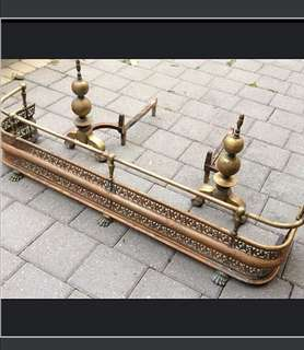 ✨HUUUGE PRICE DROP !!!✨Late 19th English century brass fireplace fender and andirons✨✨