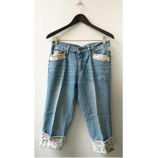 Celana Pendek Jeans Selutut Wanita Motif Bunga