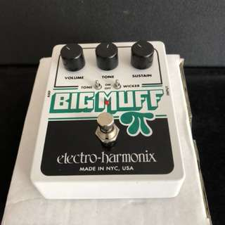 EHX Big Muff Pie with tone wicker