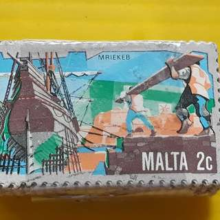 MALTA - 100 STAMPS LOT ( 1 BUNDLE )  - 2 c - Commemorative - vintage Used Stamp