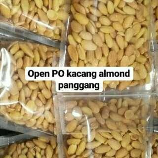 KACANG ALMOND PANGGANG