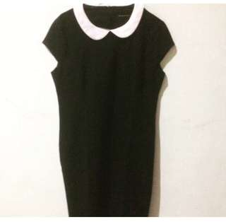 Collar dress by the executive