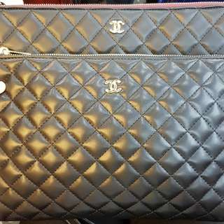 Chanel clutch le boi medium size