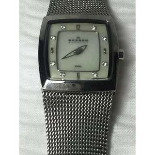 Skagen Silver Pearl face with rhinestones Ladies Watch AUTHENTIC
