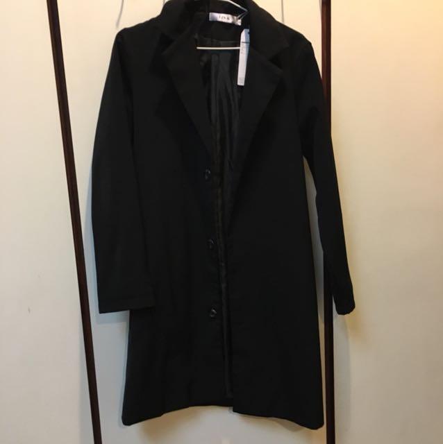黑色外套大衣