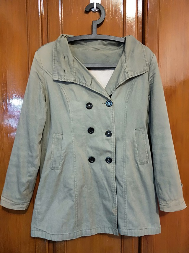 軍綠色舖棉雙排扣大衣