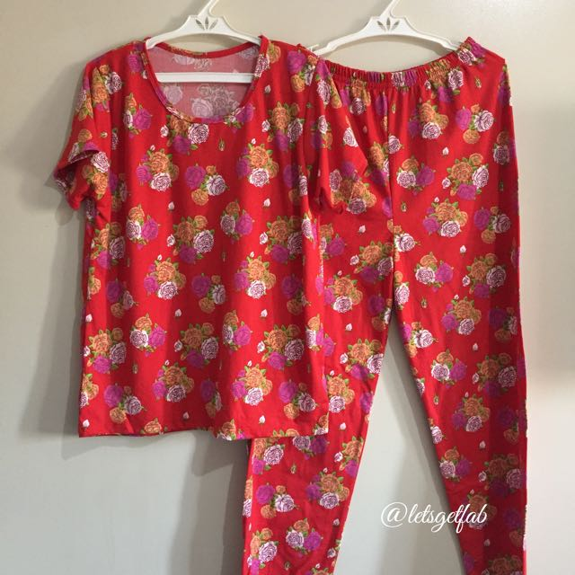 🌸 Red Floral Tee and Pajama Terno High Quality