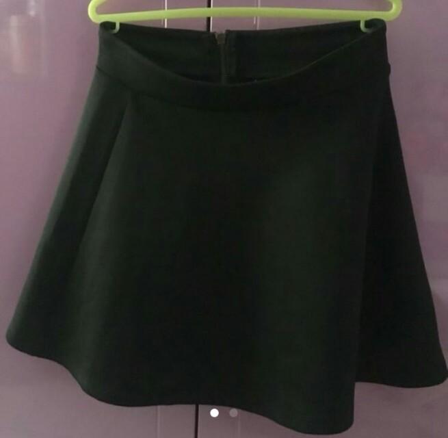 A line skirt Stradivarius