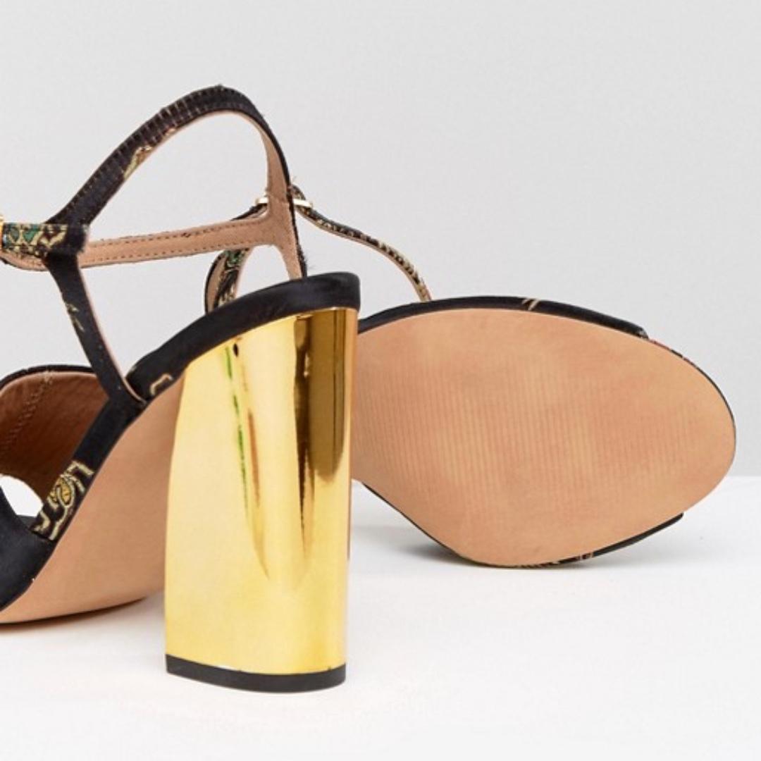 Jacquard Heeled Sandals - US 9