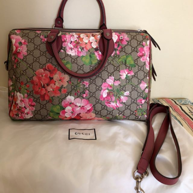 💯authentic Gucci blooms GG supreme top habdle
