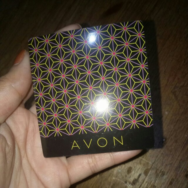 Avon pressed powder