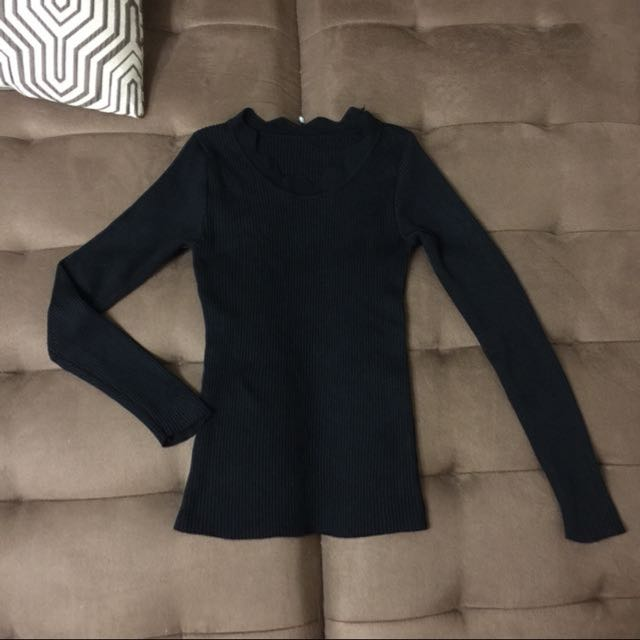 Black ribbed long sleeves with scalloped neckline