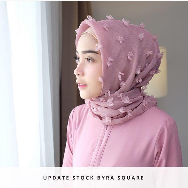 Byra Square Lozy Hijab