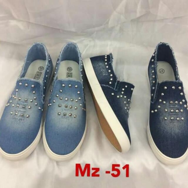 Casual shoes/js