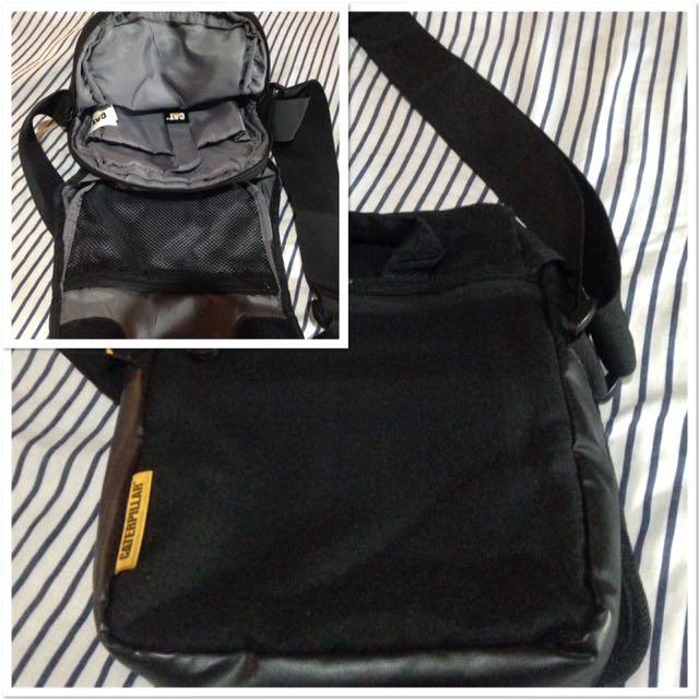 CATERPILLAR sling bag