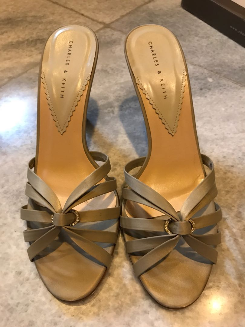 #charles&keith heels - 7cm heels - very good condition