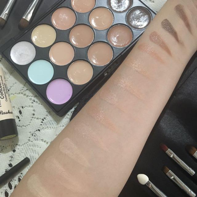 Concealer and contour palette