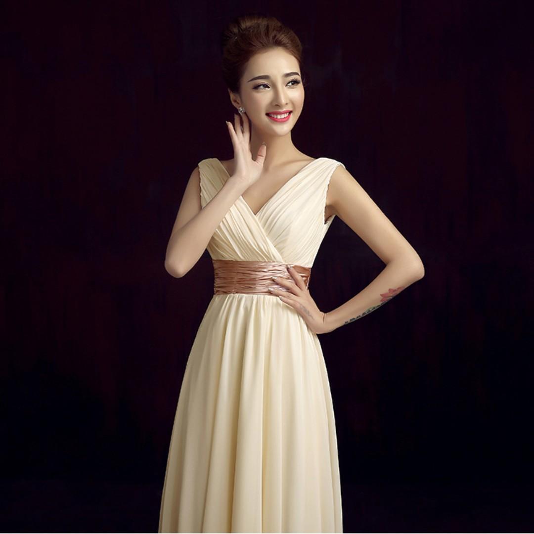 👭 Cream White Dress (RENTAL)