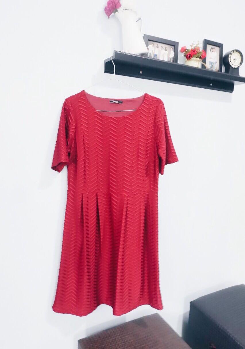 Dress light maroon