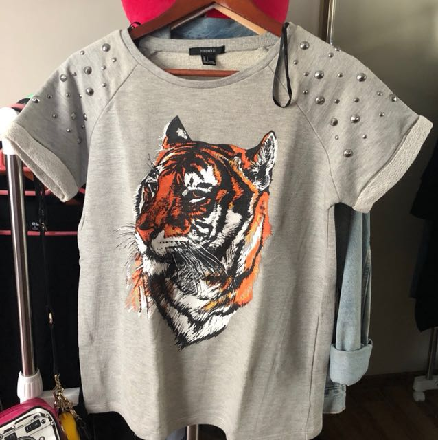 Forever 21 Grey T-Shirt