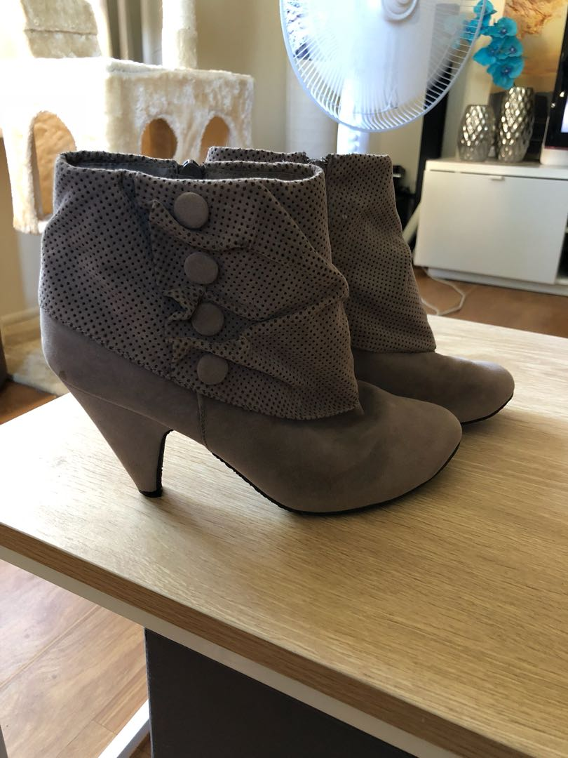 Grey Grey Boots size 8