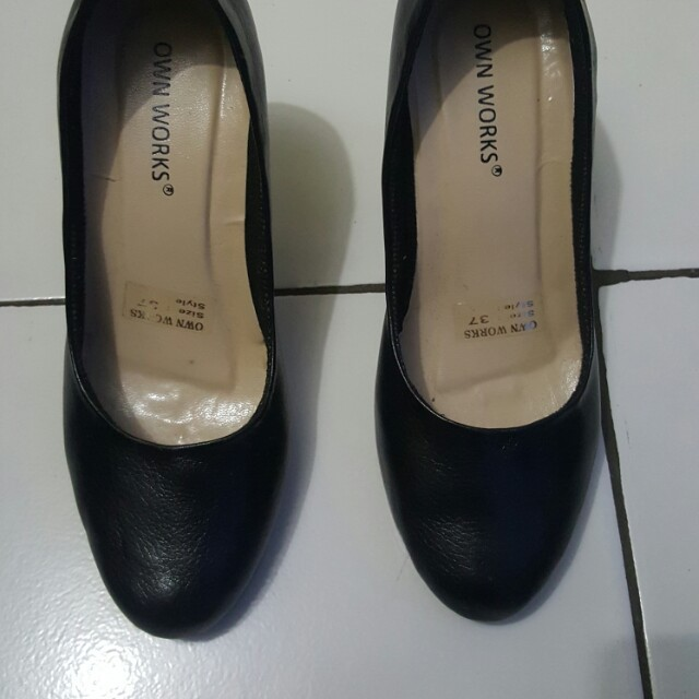 High heels hitam size 37