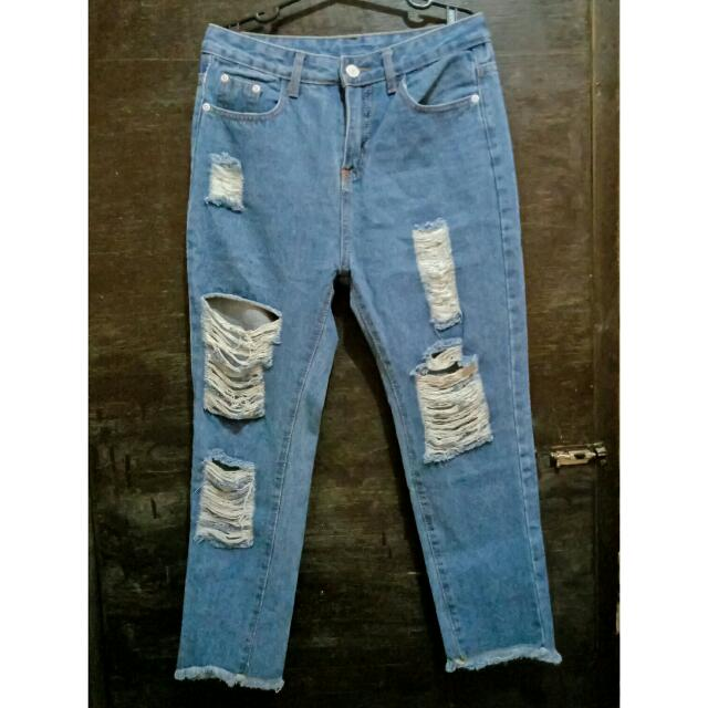 HighWaist boyfriend Ripped Jeans