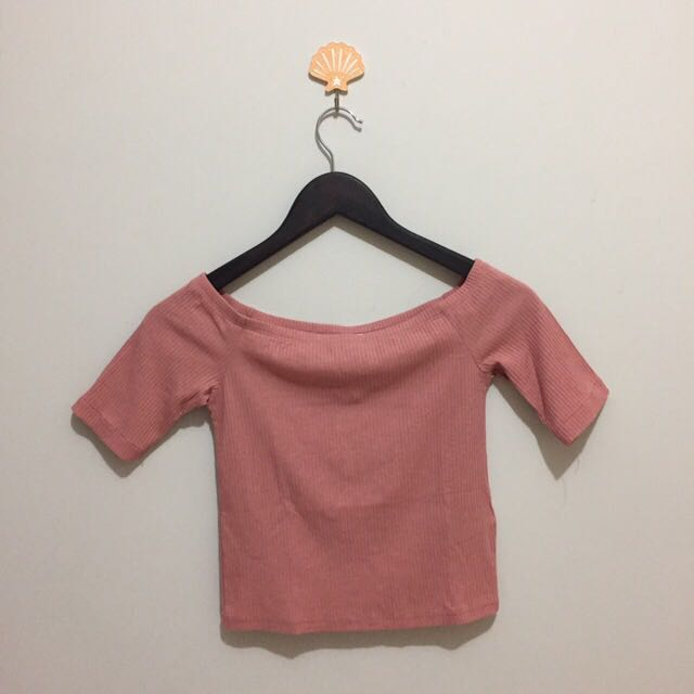 H&M DIVIDED CROPPED TOP