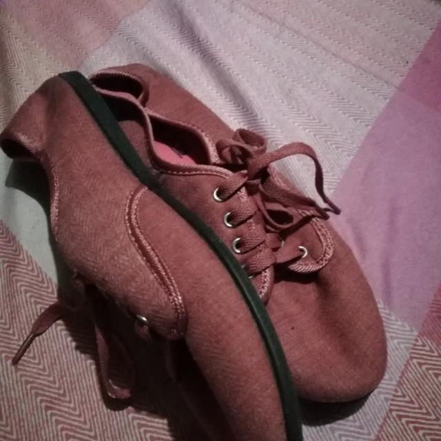 Kicks size 9