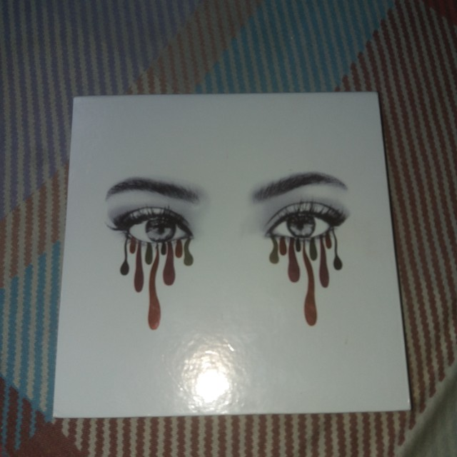 Kylie burgundy palette (authentic)
