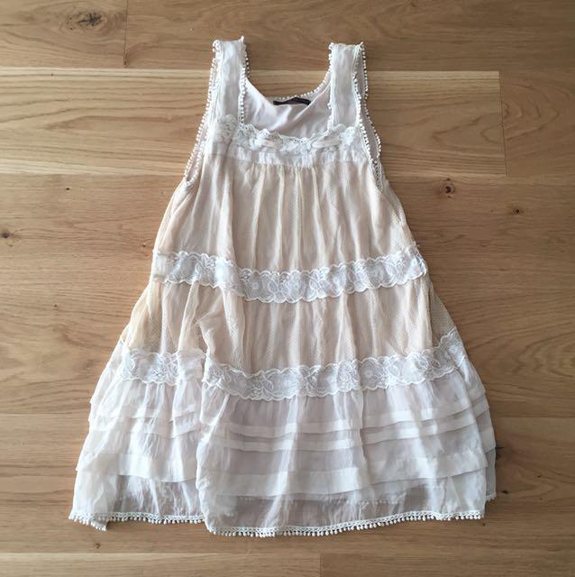 Lace dress size 6-8