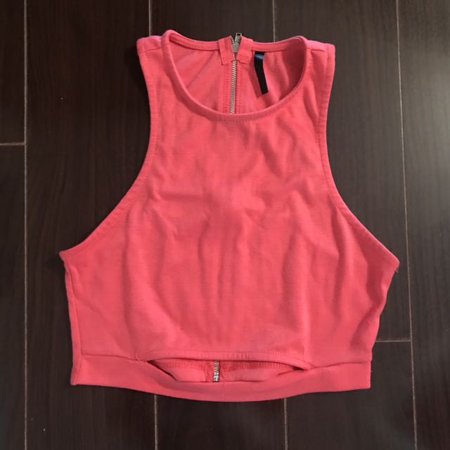M crop top - Size small