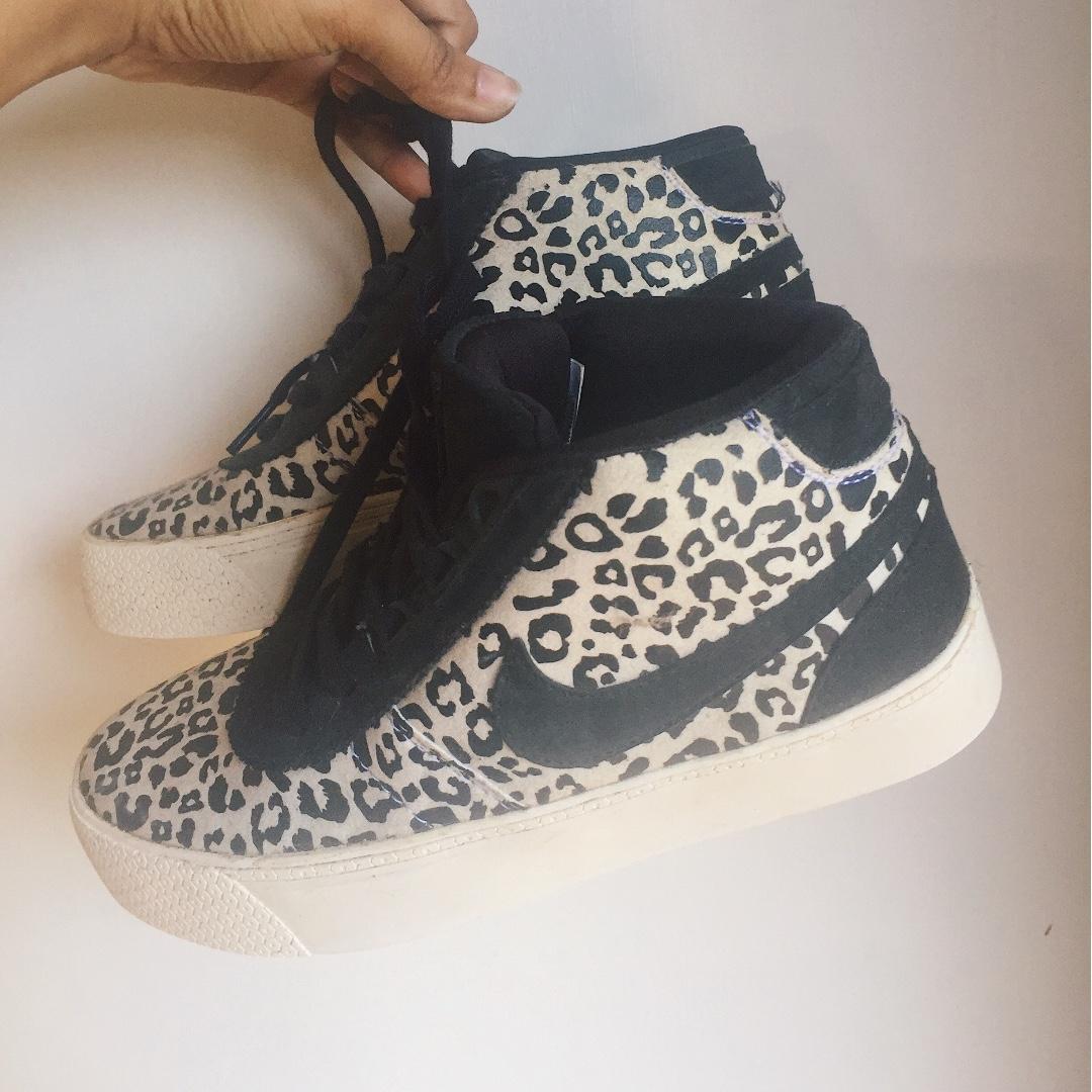 Nike Hachi Women Sneakers Motif Leopard Original