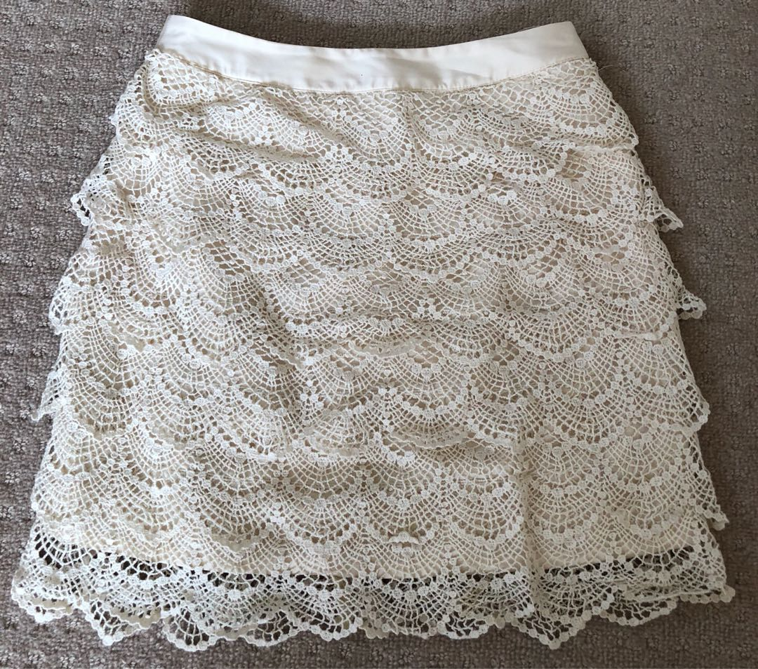 Off White Beige Scallop Lace Tiered Skirt