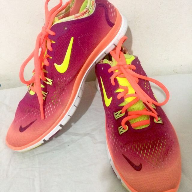 lowest price b1dbb 319af Original Nike Women's Free 5.0 Running Shoes US Size 7 ...