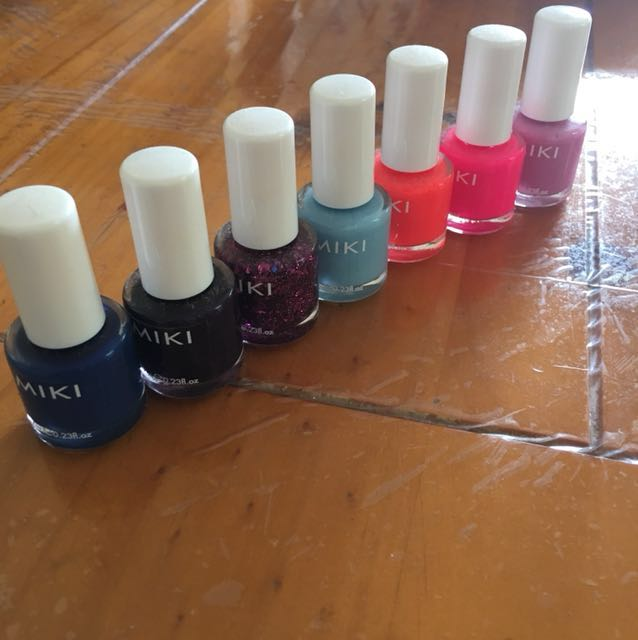 Pack of 11 nail polishes