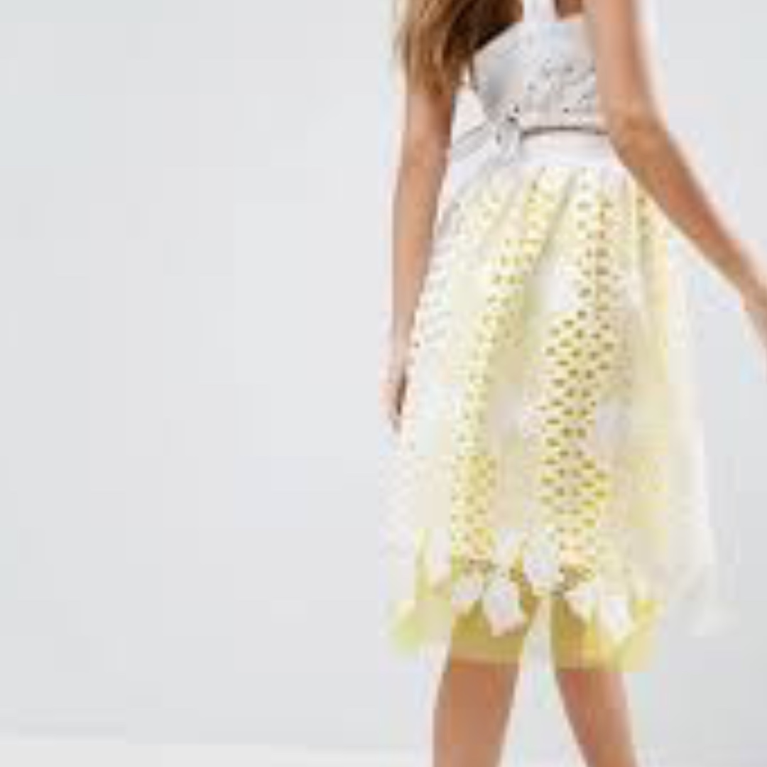 Prom Skirt in Lace with Tulle Contrast Lining - Size US 8