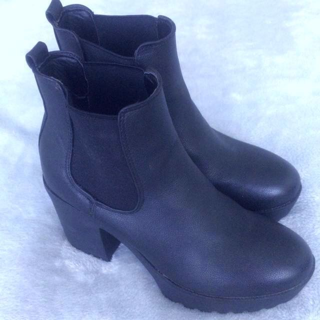 [REDUCED] Black Chunky Heel Boots