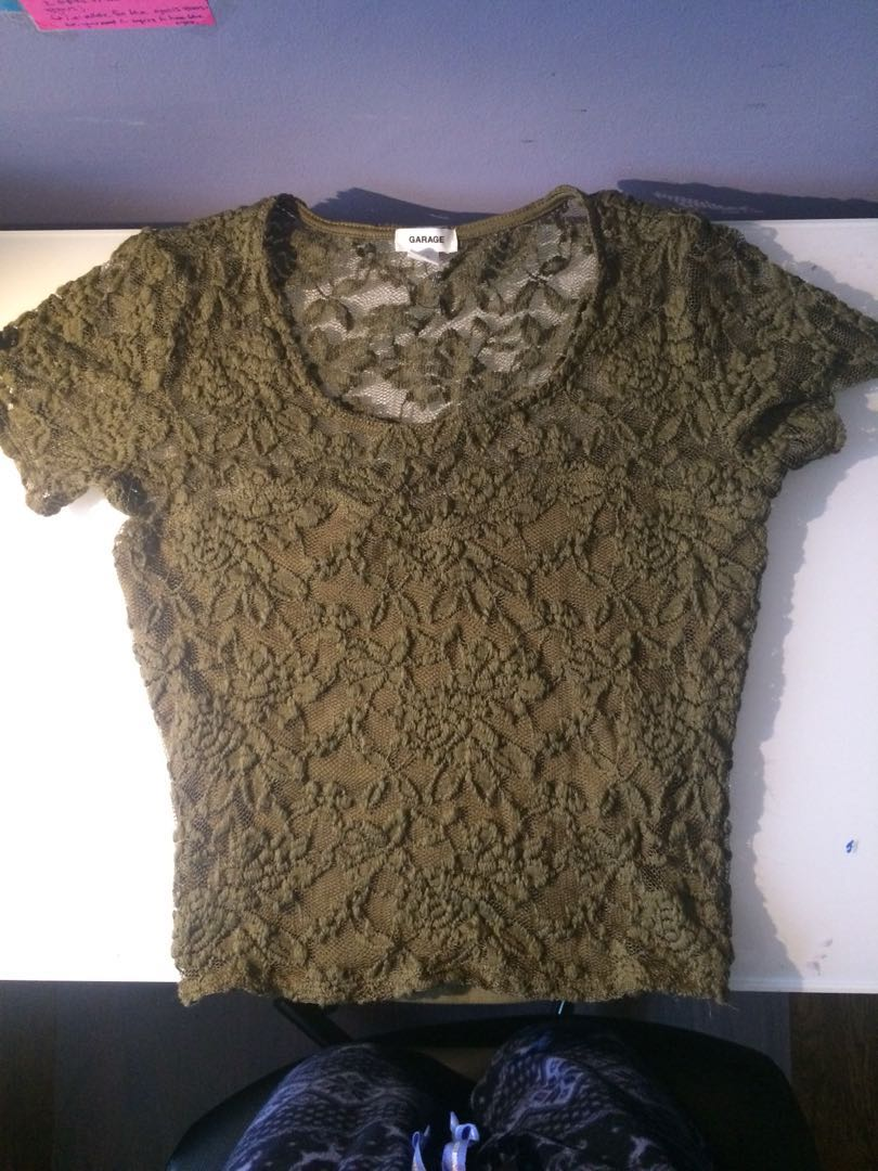 *Reduced* Lace crop top