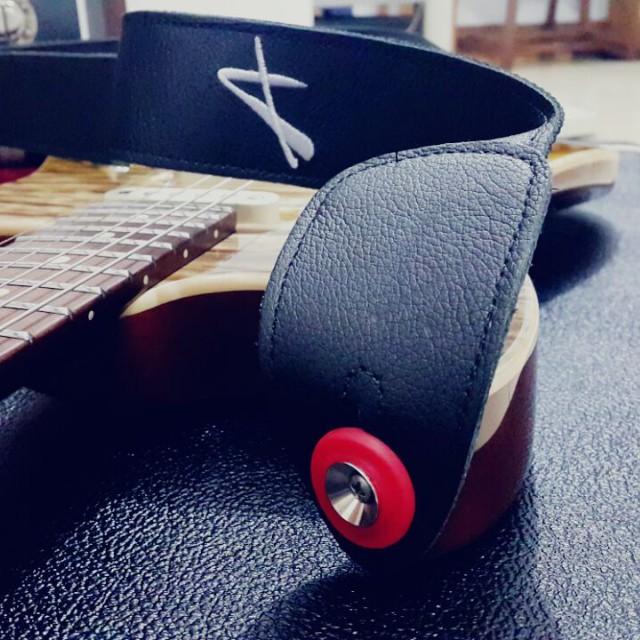 Rubber Strap Locks For Guitar/Bass - @strapofjoy