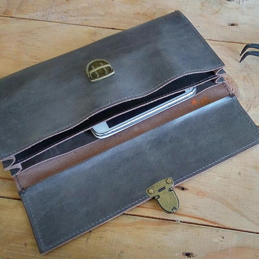 Simple Man Clutch *Special OFFER/Ready Stock