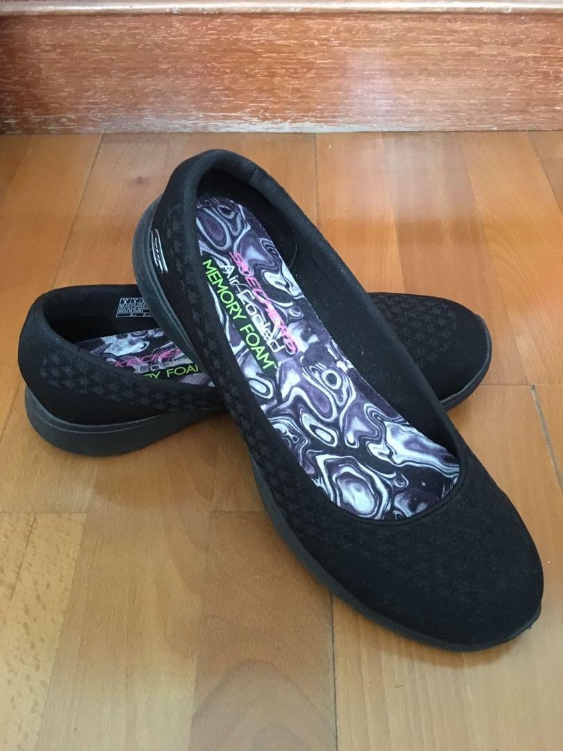 Skechers memory foam black flats, Women